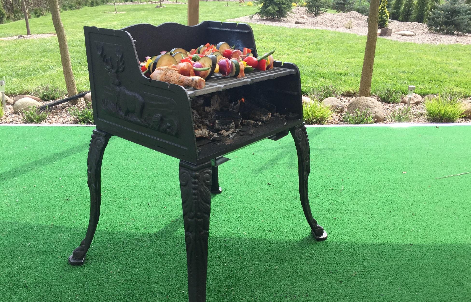 gu eisen grill holzkohle standgrill gartengrill holzkohlegrill barbecue garten. Black Bedroom Furniture Sets. Home Design Ideas